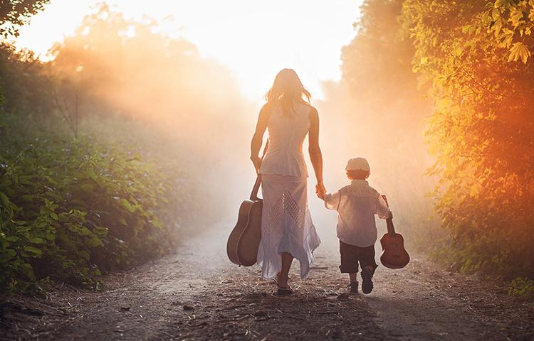 Вперед к солнцу и музыке